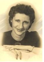 Essie Blanche Linder