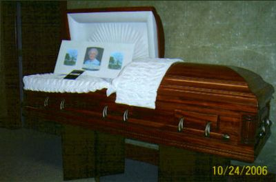 FULL SIZE CASKET DISPLAY ROOM