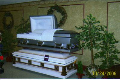 SEVERAL CASKETS ON DISPLAY WITH MANY OPTIONS AND THE POSSIBILITY TO SPECIAL ORDER